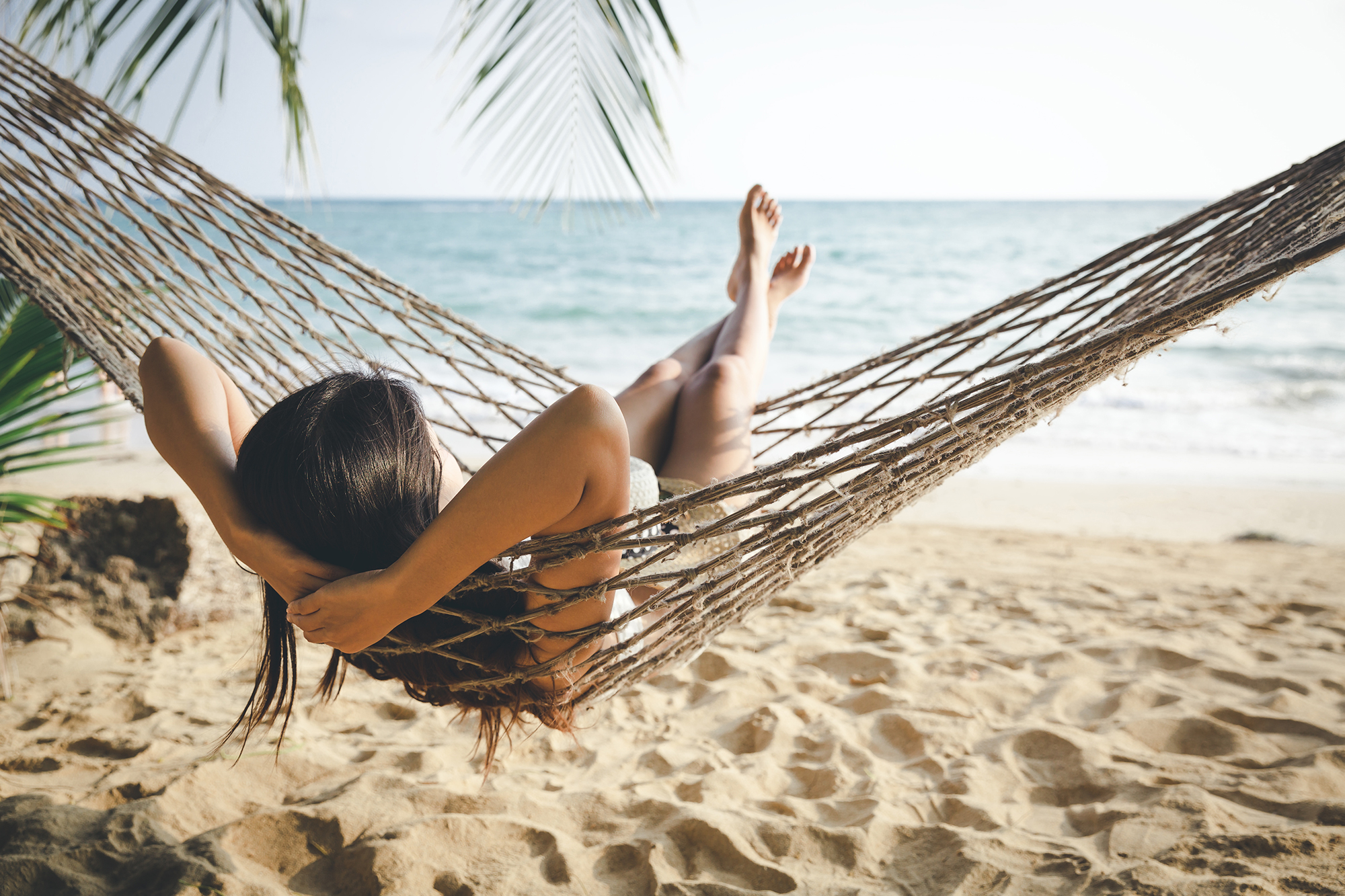 hammac bronzage sur la plage